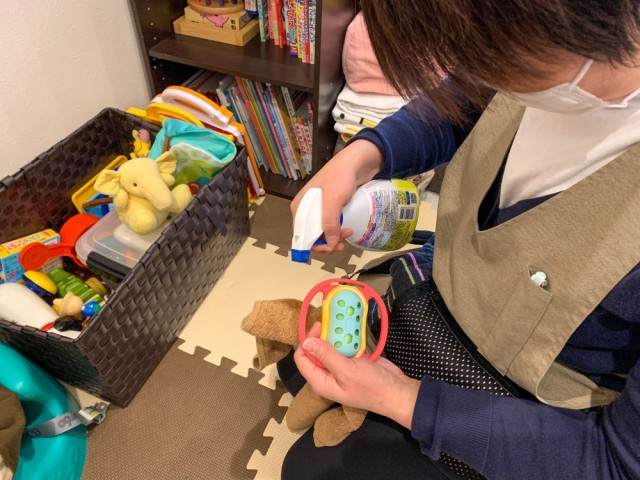 キッズスペース、おもちゃの消毒